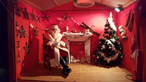 Le Père-Noël dans sa maison !